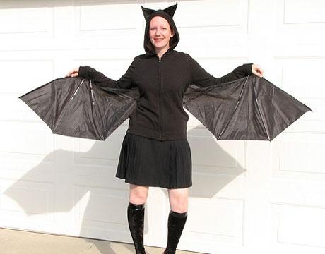 Umbrella Bat Costume · Recycled Crafts | CraftGossip.com
